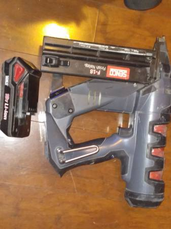 Photo Senco F 18 fusion cordless brad nailer - $150 (Anchorage)