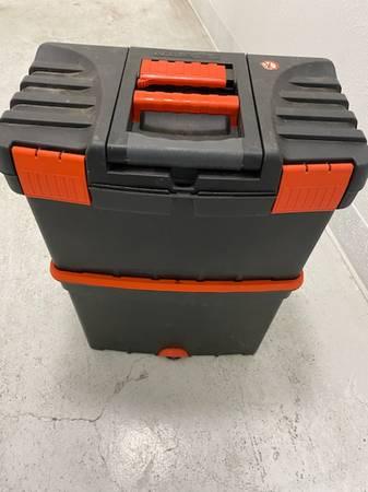 Photo TOOL BOX BLACK AND DECKER - $40 (Kenai)