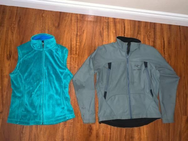 Photo Womens Arcteryx jacket S ($20) - Patagonia plush vest S ($30) (Eagle River)