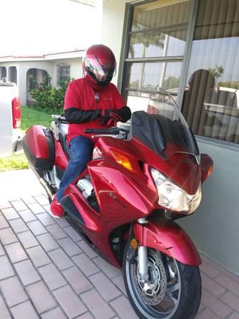 Photo 08 Honda ST 1300 - $4,600 (Hialeah fl)