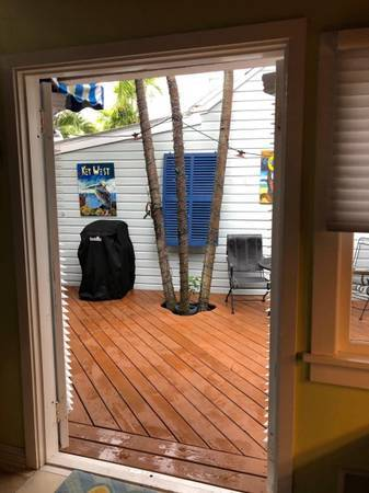 Photo 1bed.1bath house with office loft in a quiet, residential neighborhood (Key West)