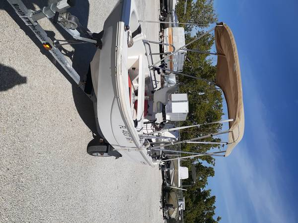 Photo 2005 Boston Whaler, 2020 Suzuki 25hp. - $7,500 (Key West)