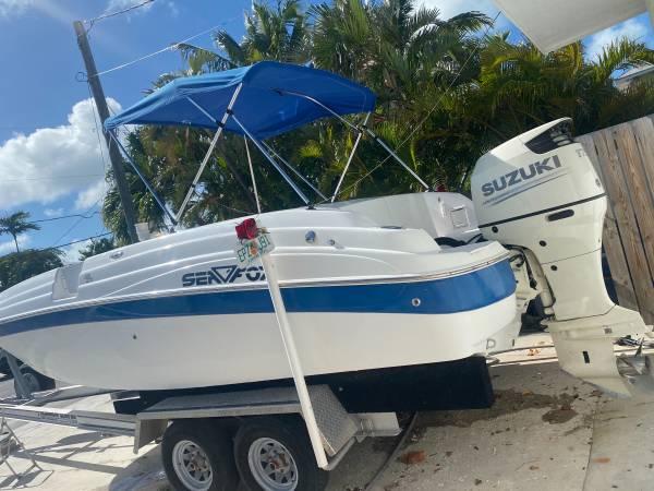 Photo 2005 SeaFox 211 Deck Boat with 2018 Suzuki 175 HP 4 Stroke WARRANTY - $19,999 (Key west)