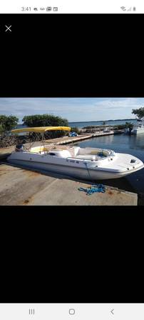 Photo 2006 Hurricane Deck Boat - $15,000 (Key Largo)