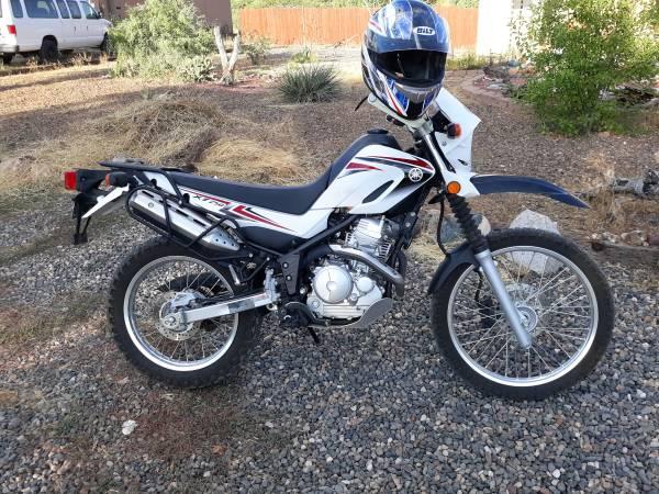 Photo 2011 Yamaha XT250 enduro - $2,900 (Big Pine Key)