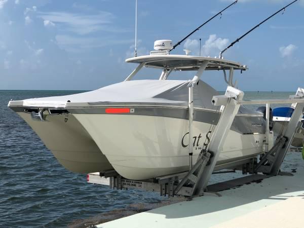 Photo 2018 World Cat 280 DC-X - $210,000 (Key West)