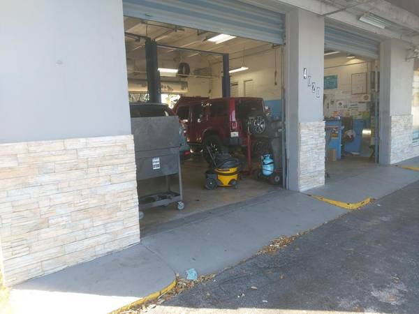 Photo Auto Repair Garage for Rent $4500 Monthly (Hialeah)