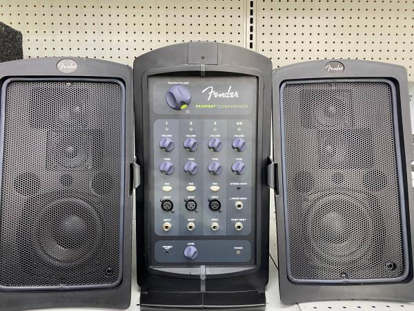 Photo Fender Passport PA System - $185 (Fort Myers)