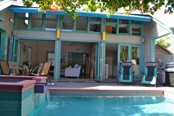 Photo Key West tropical lifestyle. Located on a quiet old town street (Key West, FL)