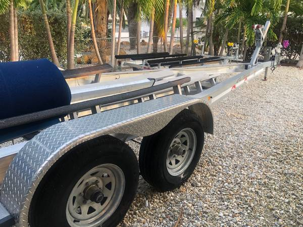 Photo Like NEW Dual Axle Bunk Trailer for Boat. Up to 30 foot Boat Trailer - $5,000 (KEY LARGO)