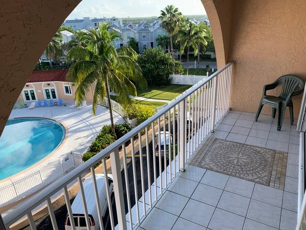 Photo Live the Key West dream penthouse condo 32 with amazing pool view (Key West)