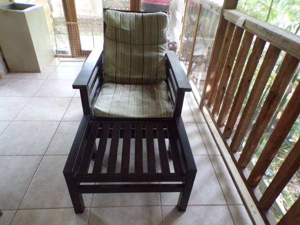 Photo MUST SELL LOUNGE CHAIR WITH OTTOMAN - $60 (UPPER SUGARLOAF KEY)