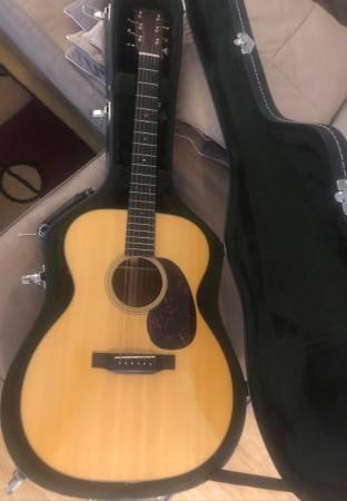 Photo Martin Electric-Acoustic 6-string Guitar 000-18 Retro - $1,999 (Lower Keys)