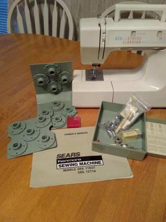 Photo Sears Kenmore Sewing Machine Model 385.11607 385.12714 - $125 (Winterhaven)