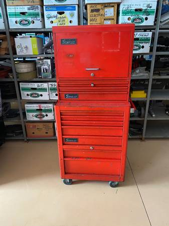 Photo Snap on , Tool box , 3 piece set , all lock , runners perfect - $600 (Naples)