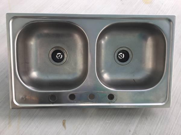 Photo Stainless steel kitchen sink (Summerland Key)