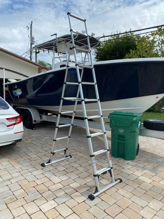Photo TELESTEPS 14 ft Professional Wide Step Telescoping A-frame Ladder - $275 (Palmetto Bay)