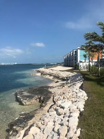 Photo The Quarry Apartments- New Apartment Community (Key West)