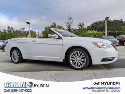 Photo Used 2012 Chrysler 200 Limited Convertible for sale
