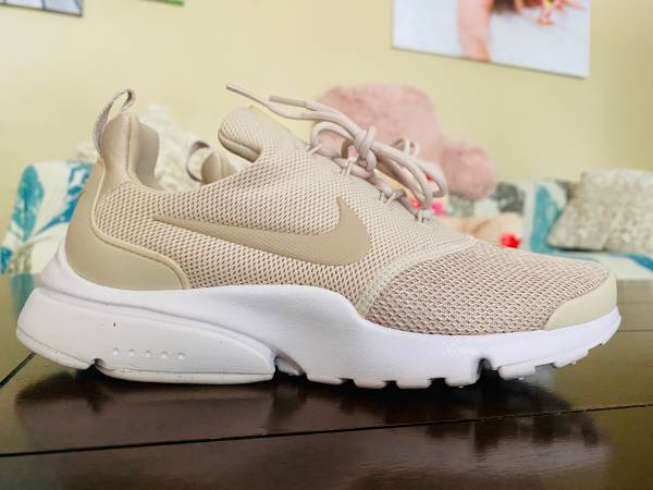 Photo Womens Nike Presto Fly SE 910570-010 BRN NEW Size 6.5 - $49 (Key West)