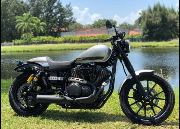 Photo Yamaha Bolt 950cc C-spec 2015 Motorcycle 6,600 miles - $5,850 (Fort Lauderdale)