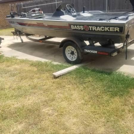 Photo 1989 bass boat trailer - $500 (Killeen)