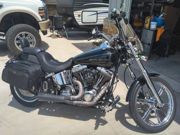 Photo 2004 FXSTDI Harley Duece - $6,500 (Gatesville)