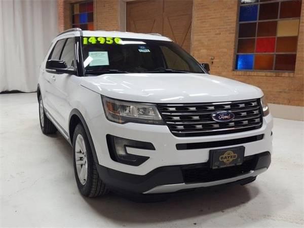Photo 2016 Ford Explorer XLT - SUV - $13900 (Ford Explorer)