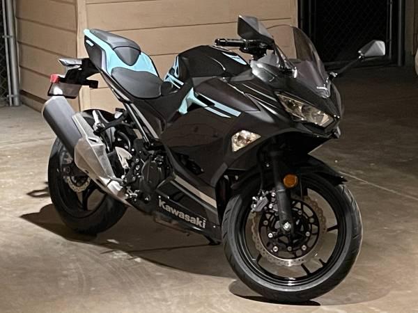 Photo 2020 Kawasaki Ninja 400 - $5,000 (Fort Hood)