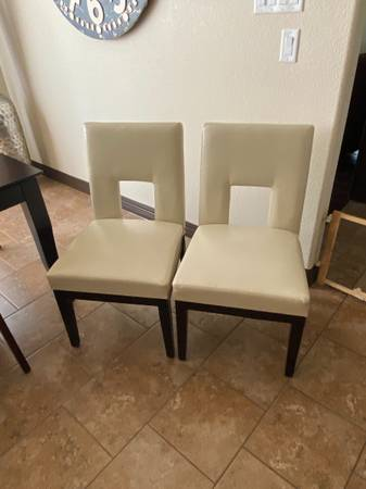 Photo 2 Pier 1 Imports Leather Dining chairs Excellent Condition - $80 (Killeen)