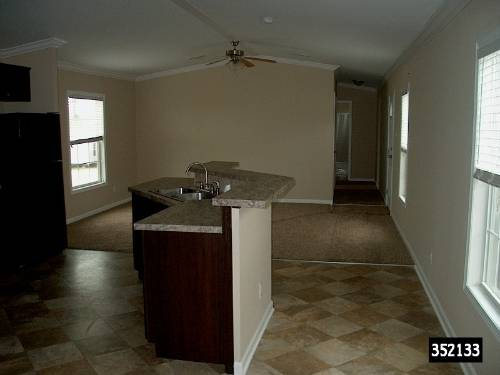 Photo 3 bed 2 bath single wide for a great value. Used 2015 (Deliver to your land anywhere in TEXAS)