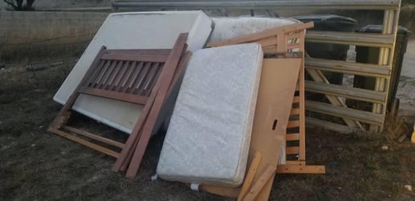 Photo Curb Alert Lots of Free Stuff (Harker Heights)