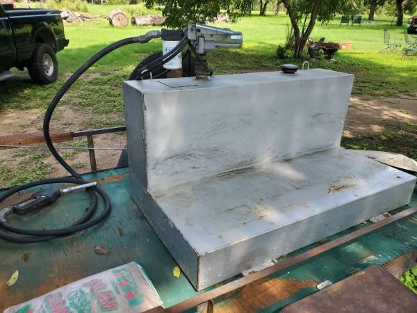 Photo Diesel fuel tank and pump - $550 (Belton)