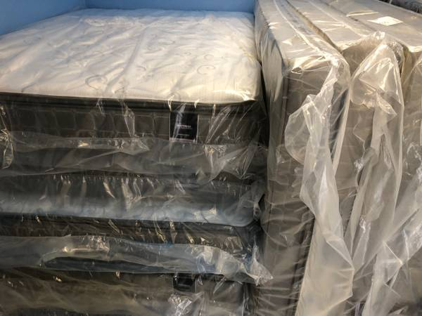 Photo Don39t buy used mattress when you can buy new for a few bucks more - $99 (Killeen)
