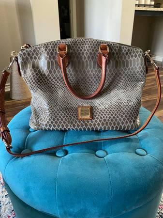 Photo Dooney and Bourke satchel - $100 (Killeen)
