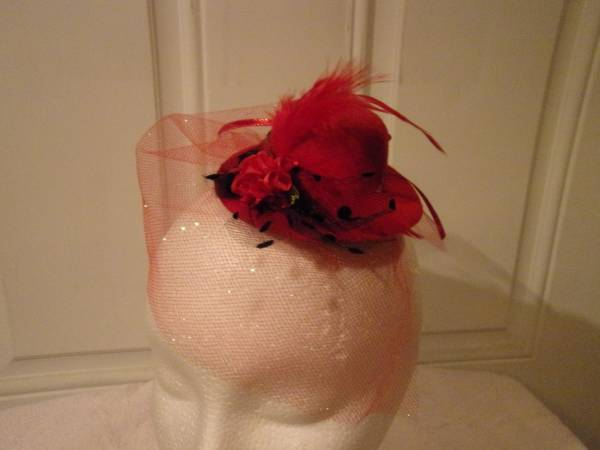 Photo Fascinator hat Hair decoration, 192039s rockabilly.red sparkle tulle. - $25 (Harker Heights)