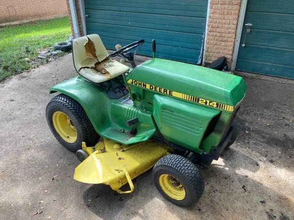 Photo John Deere 214 Garden Tractor - $950 (Temple)