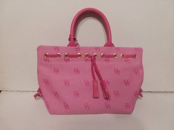 Photo Pink Dooney and Bourke Purse - $20 (Copperas Cove)