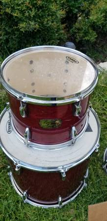 Photo Selling my 12 inch Pearl drum (Killeen)