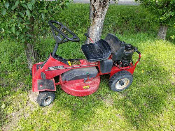 Photo Snapper riding mower - $400 (LITTLE RIVER ACADEMY)
