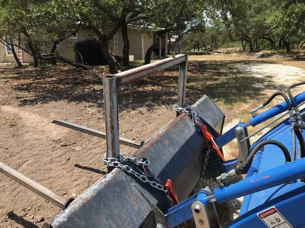Photo Tractor Bucket Forks For Sale (Meridian)