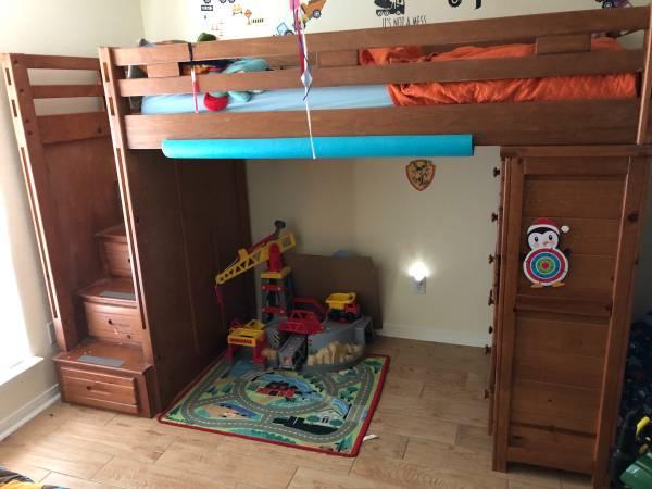 Photo Twin Loft Bed - $350 (Salado)