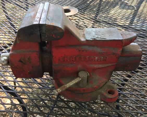 Photo Vintage Craftsman Swivel Bench Vise - $45 (Copperas Cove, Tx)