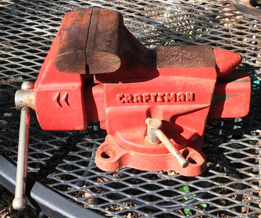 Photo Vintage Craftsman Swivel Bench Vise - $60 (Copperas Cove, Tx)