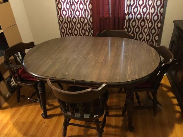 Photo Vintage Kitchen Dinette Set - $250 (Troy)