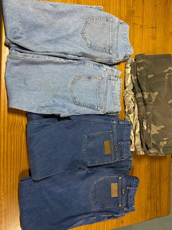 Photo Wrangler Jeans - $30 (Belton)