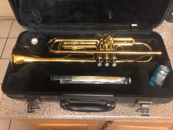 Photo Yamaha trumpet - $350 (Temple)