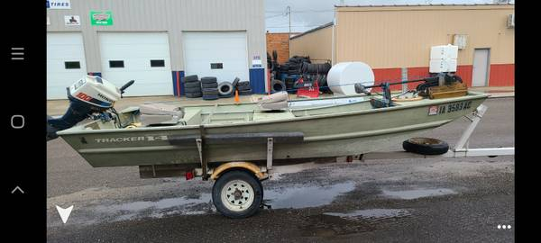 Photo 14 ft Jon boat with trailer - $1,000