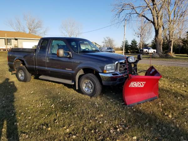 Photo 2003 Ford F250 with Boss 839-2quot VXT Snow Plow - $10,500 (Madrid)