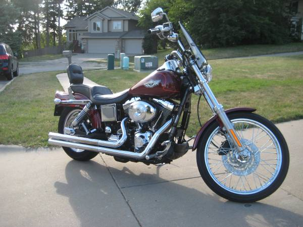 Photo 2003 Harley Davidson 100th anniversary Dyna Wide Glide Motorcycle Nice - $10,500 (Iowa City,Ia)